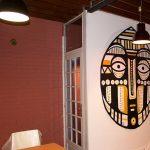 """""""Oro Nero"""", Peinture inspirée des arts premiers, masque africain, décoration restaurant africain DNM, Nancy, par Hyperactivity rocks 2016"""
